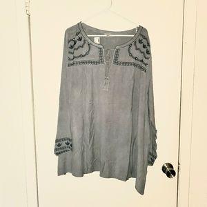 Avenue Gray Boho Tunic Top Size 30/32